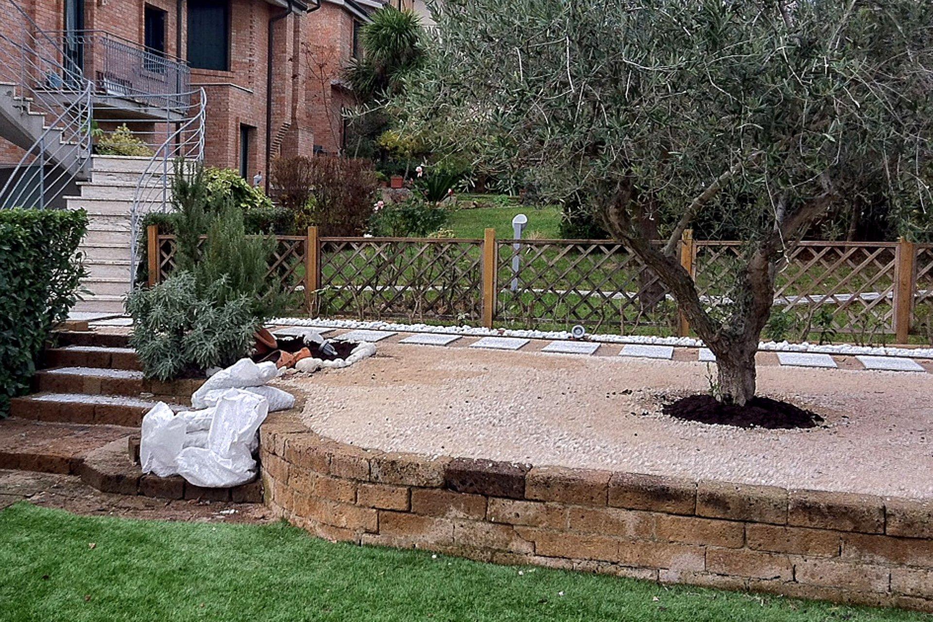 Come Costruire Un Giardino Di Ghiaia : Come si posa lerba sintetica da giardino?